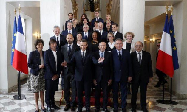 Frankrike skifter ut regjeringen