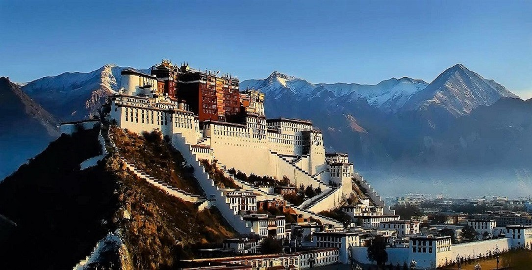 Kineserne setter tibetanere i konsentrasjonsleirer
