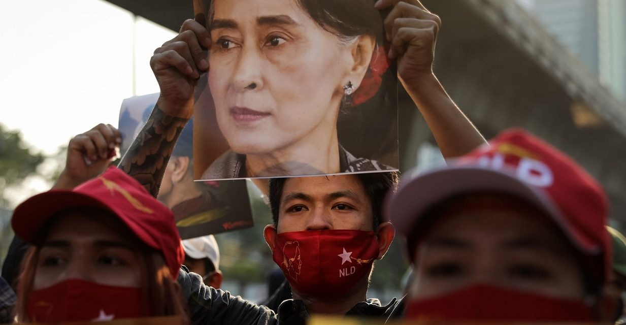 Militærkupp i Myanmar – nobelprisvinner Aung San Suu Kyi arrestert