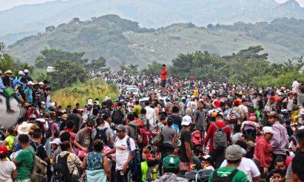 Trumps grensemur mot Mexico stanset – Biden har skapt menneskelig immigrantkrise