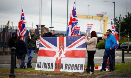 Storbritannia krever reforhandling om Nord-Irland